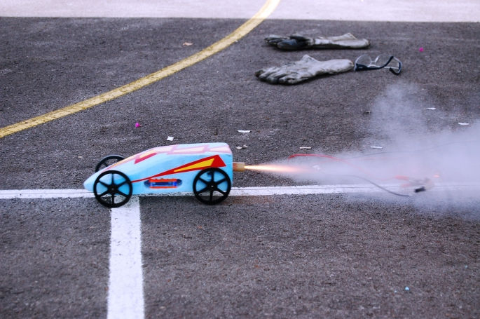 iSchool lo recomendamos Rocket Car School