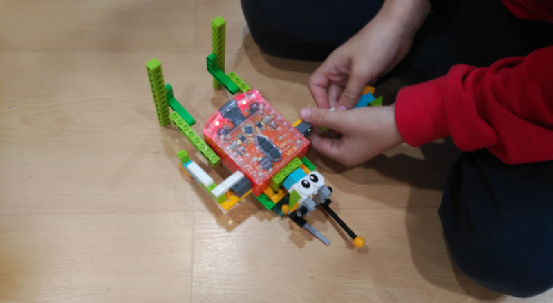 iSchool que se aprende Pequeños Ingenieros